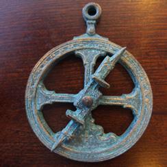Miniatura astolábio em latão